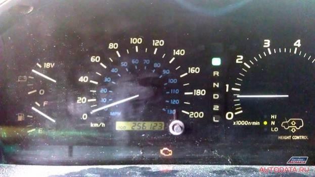 Заводим машину, неисправность горит, но обороты в норме, на газ реагирует как положено.